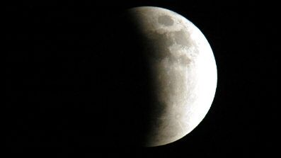 http://www.foxnews.com/static/managed/img/Scitech/lunar_eclipse_monster_397x224.jpg
